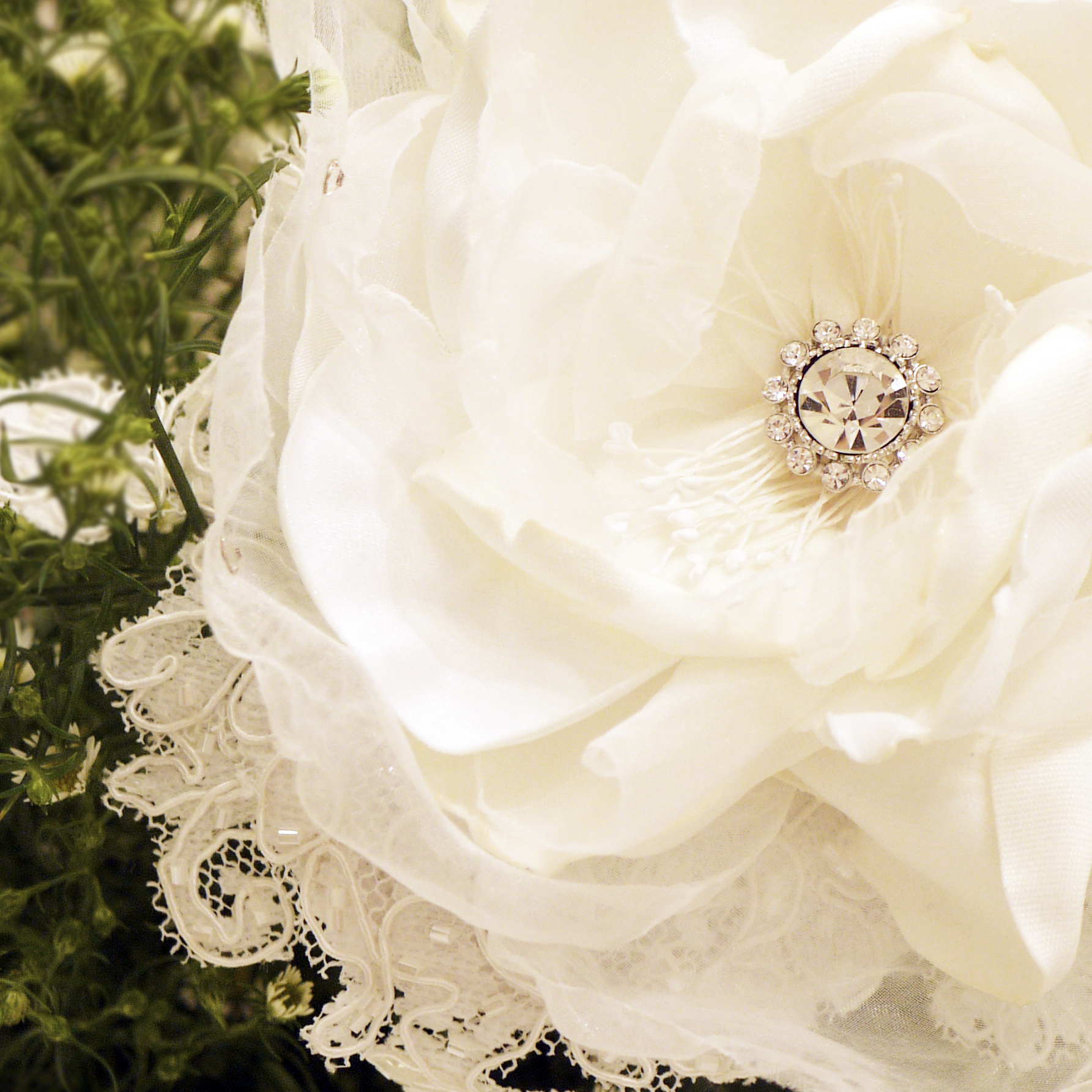 Hand bouquets olive suite weddings its izmirmasajfo Choice Image